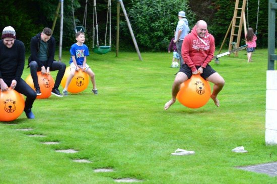 Morval, UK: Fun and games on the lawn