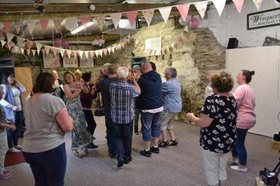 Morval, UK: Party barn perfect for a barn dance of course!