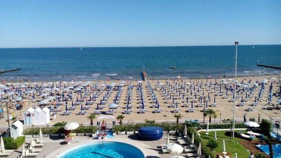 Hotel Galassia: Vista della spiaggia dalla camera