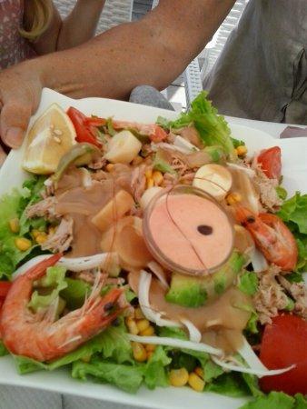 Repas détente en bord de plage