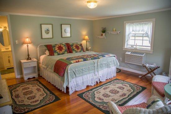 Lovingston, Вирджиния: The White Cascade Room