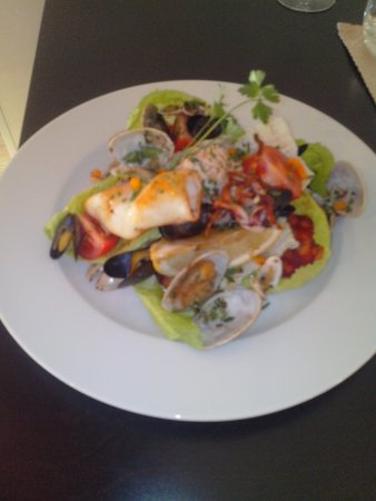 Saint-Affrique, Francia: Salade pêcheurs