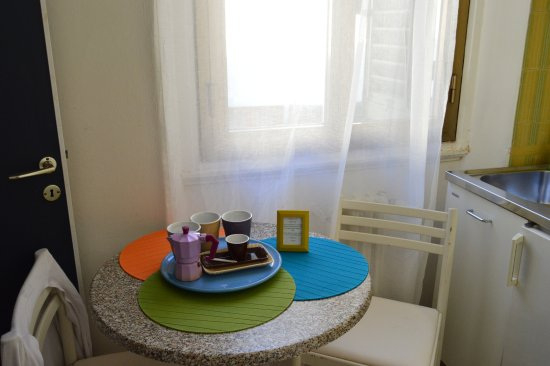 Hotel Dante: pequeña cocina