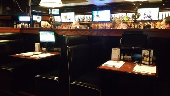 Andover, MA: Booth seating area. They have larger ones too.
