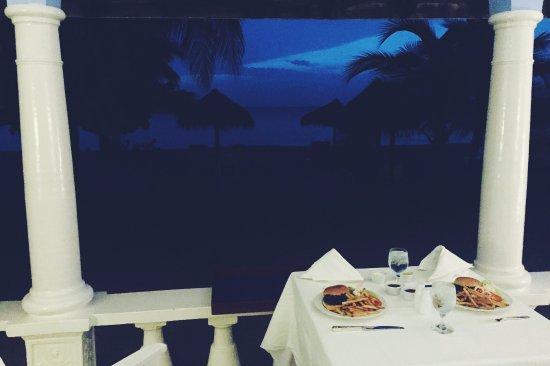Jamaica Inn: Room service!