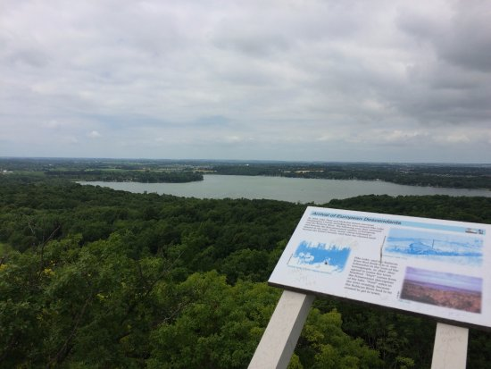 Hartford, WI: Great view of Pike Lake from park tower