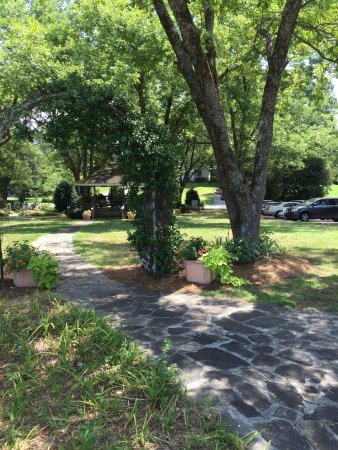 Union City, GA: Great food and beautiful gardens
