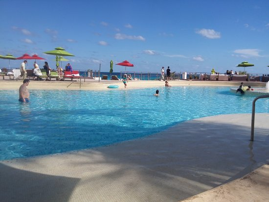 Sunset Royal Beach Resort Photo