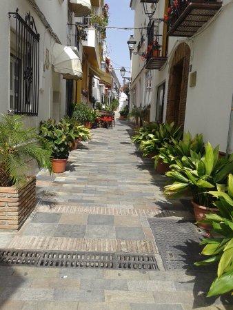 Hotel Don Alfredo: Улица старого города