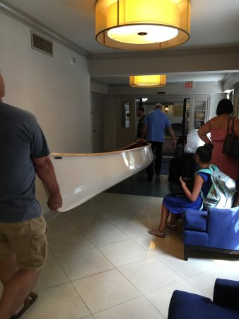 Four Points By Sheraton French Quarter: They found a place for my canoe