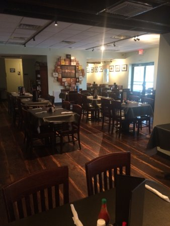 Ybor Grille: Main dining room
