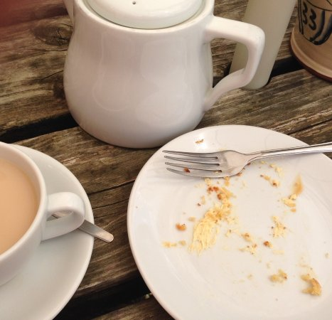 Deepdale Cafe: Cakes are nice!