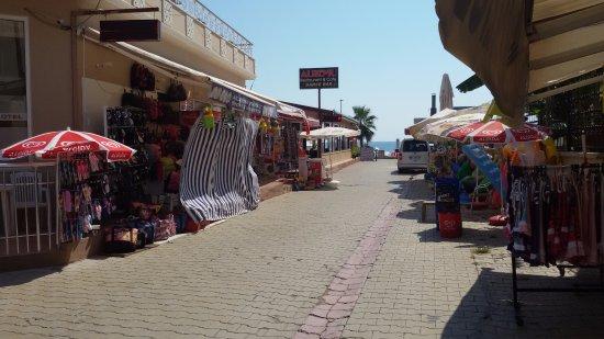 Side Sedef Hotel : otelin sahile mesafesi