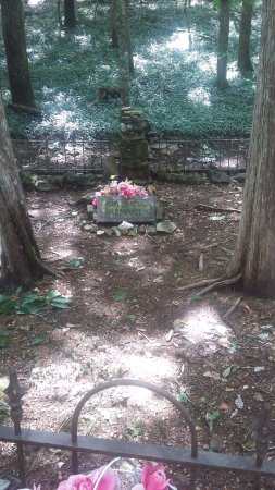 Branson, MO: Burial place of Rose O'Neil