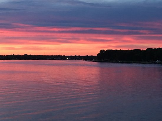 Chestertown, Μέριλαντ: Sunset on the Chester River, photo from the River Packet