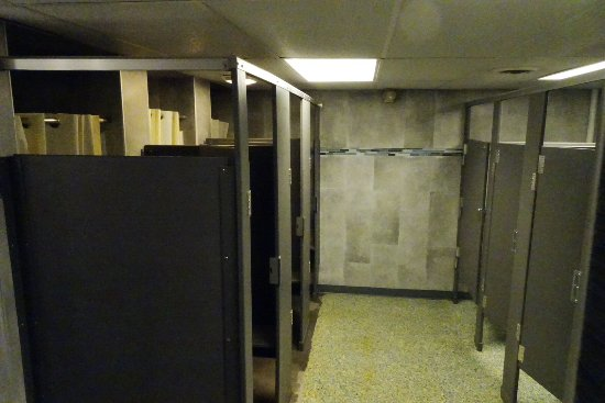 Jonestown, Pensilvania: REALLY clean rest rooms and Showers
