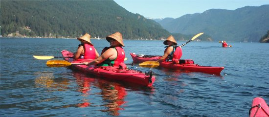 Nord-Vancouver, Canada: Belcarra Paddling Centre staff on a tour of Indian Arm.