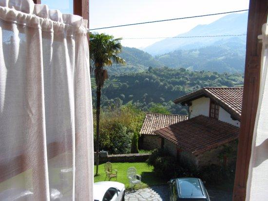 Hotel Palacio de Libardon: View from our bedroom window