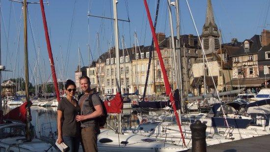 Office de Tourisme de Honfleur : Honfleur harbour (Northwestern France)