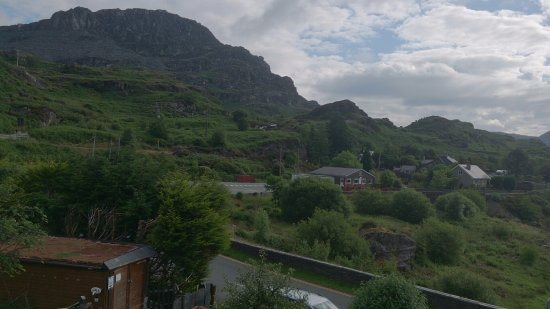 Blaenau Ffestiniog, UK: View from our bedroom, however fantastic views in all directions.