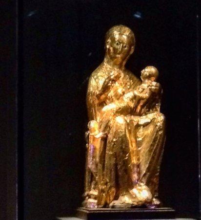 Dom-Schatzkammer: A Madonna de Ouro