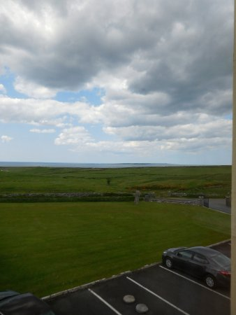 Aran View Country House: Looking west to Aran Islands (pictures cannot capture the sweep of this view!)