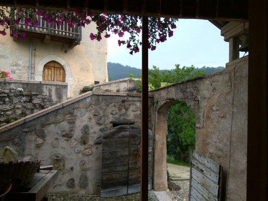 Il castello picture of castel vasio fondo tripadvisor for Castel vasio