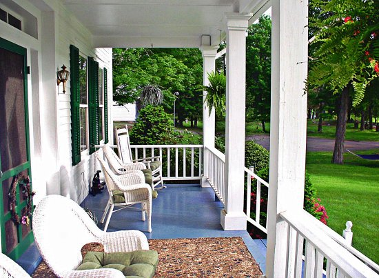 Lackawaxen, PA: Front porch