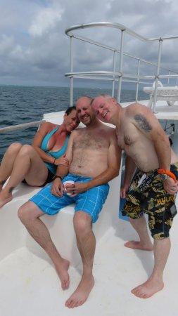 Splash Sports Catamaran Cruises: Friends enjoying the tour