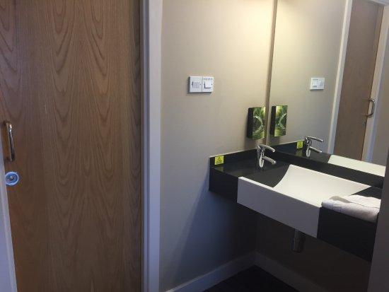 Premier Inn Castleford Xscape M62 J32 Hotel