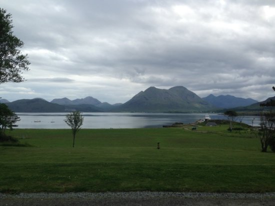 Isle of Raasay, UK: The view from the front door looking back towards Skye