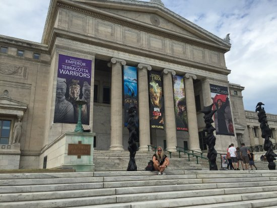 Chicago Field Museum of Natural History has Free Tours