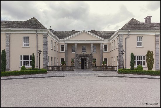 Castlemartyr, Ireland: The hotel by day