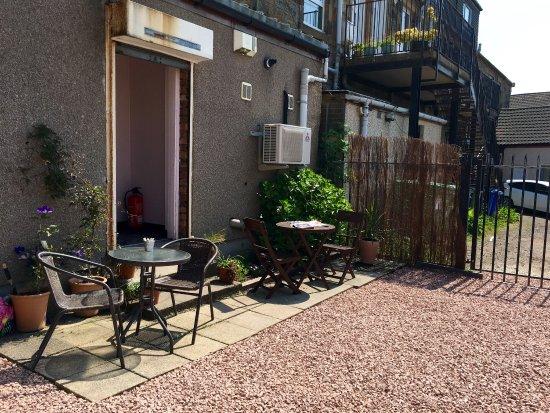 Larkhall, UK: Great food homemade cakes and sunshine garden