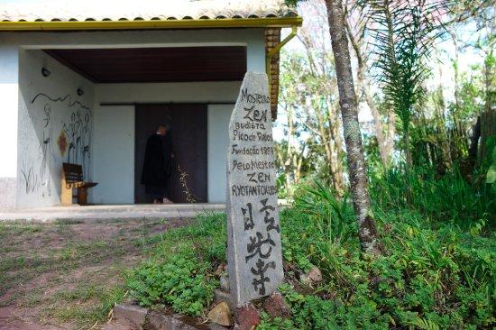 Pico de Raios Zen Buddhist monastery
