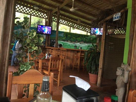 Los Trucos Bar and Restaurant : photo0.jpg