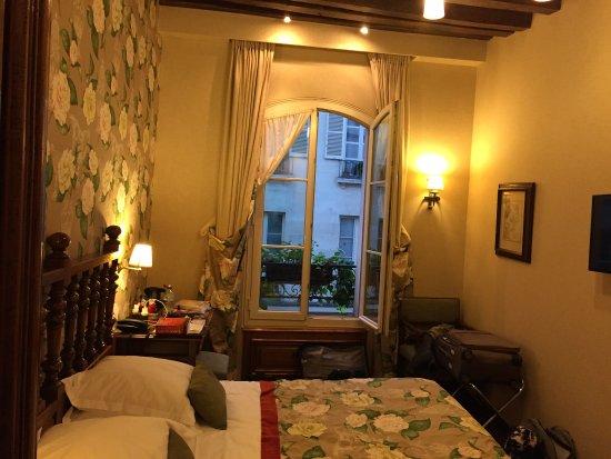 Left Bank Saint Germain: photo0.jpg