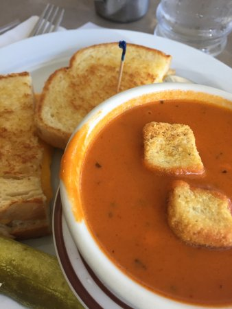 Good Neighbor: grilled cheese and tomato soup