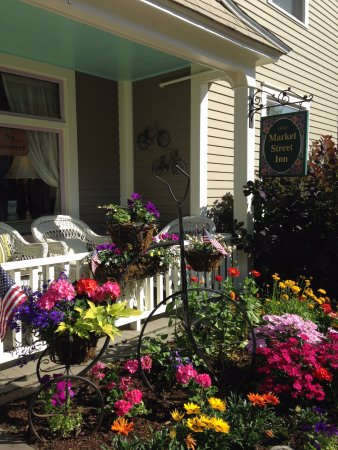 Front porch of Market Street Inn: A very relaxing place after a bike ride or walk around town!
