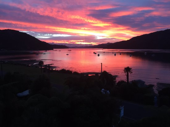 Anakiwa, New Zealand: Sunrise