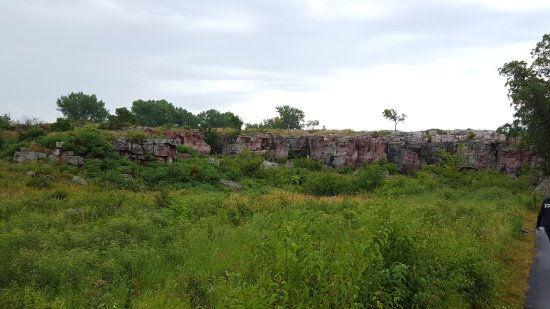 Pipestone, MN: Quartzite Cliff