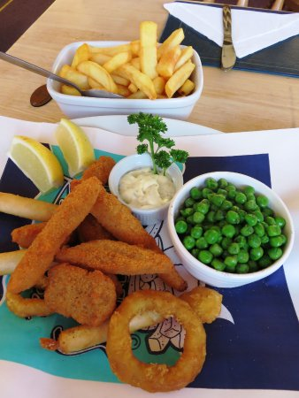 Llanhamlach, UK: The Mixed Fish Platter at The Old Ford Inn (05/Jul/16).