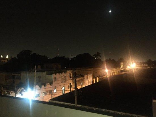 Hotel Julamis: roof terrace at night