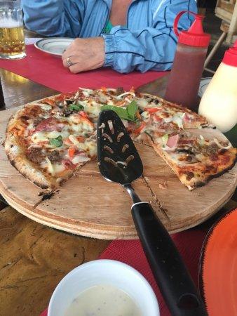 Nuevo Arenal, Kostaryka: Restaurante sobre el Lago Tinajas Arenal