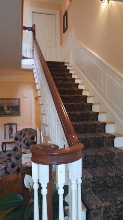 Compass Rose Inn : stairway to 2nd floor, just inside front door