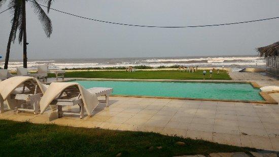 Ashvem Beach, الهند: P_20160706_091214_large.jpg