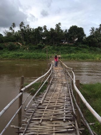 メコン リバー ビュー ホテル, The bamboo bridge near the rest of the hotel. You need to pay a little money to cross the bridge