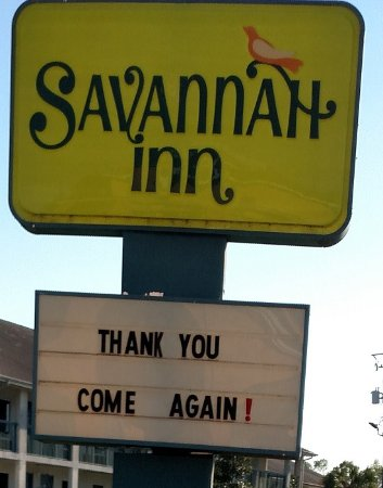 Savannah Inn: April 2016 - Highway sign