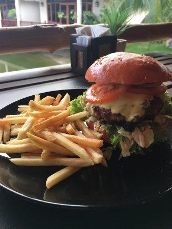 Jaidee Resort: Hamburger