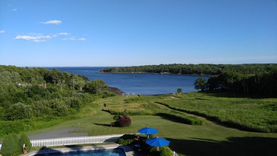 Rockport, ME: 3rd fl room, view of Glen Cove, open to the sea